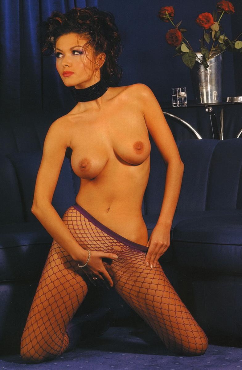 Фотосессии абсолютно голых звезд шоубизнеса 4 фотография