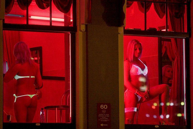 Проститутки в витринах малалетние проститутка