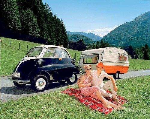 Очень маленькие автомобили (49 фото)