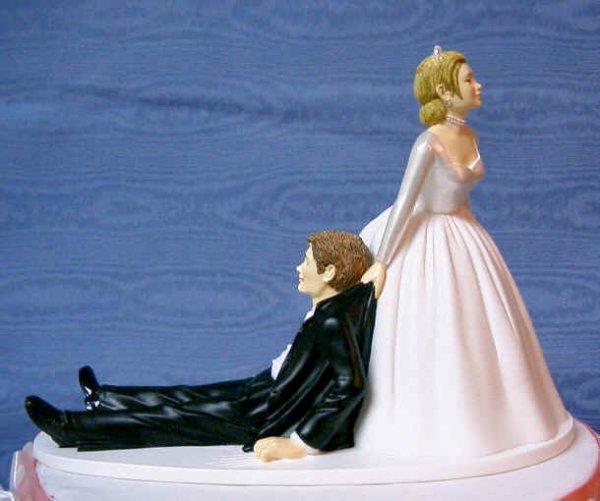 Прикольные украшения свадебных тортов (10 Фото)