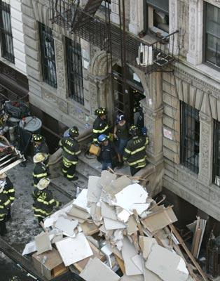 В Нью-Йорке взорвался жилой дом