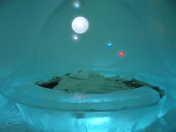 Ледяной отель в Швеции (20 фото)