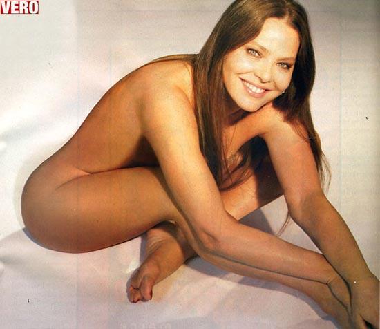Орнелла Мути в 52 года обнажилась для рекламы Dove (1 фото)