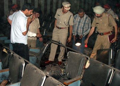 В Индии взорван кинотеатр