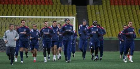 Тренировка английских футболистов (25 фото)