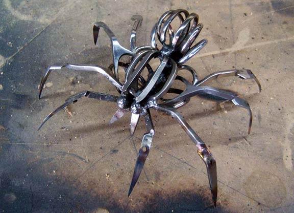 Металлический паук