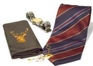 Что расскажут о нем часы и галстук