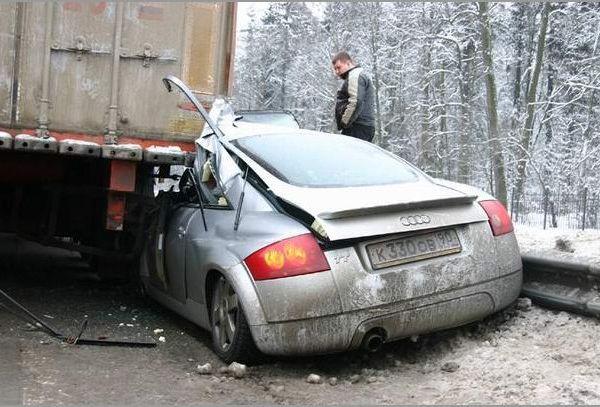 ДТП на Горьковском шоссе, Ауди влетел под Вольво на скорости 90км/ч (5фото)