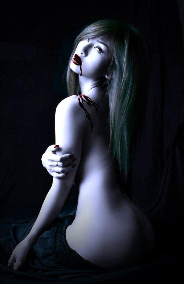 Фотографии Обнаженных Вампирш
