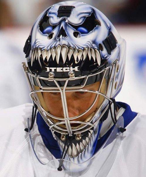 Оригинальные маски игроков НХЛ (15 фото)
