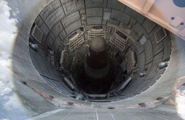 Шахта запуска баллистических ракет в Аризоне (14 фото)