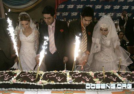 Массовая свадьба в Багдаде (2 фото)