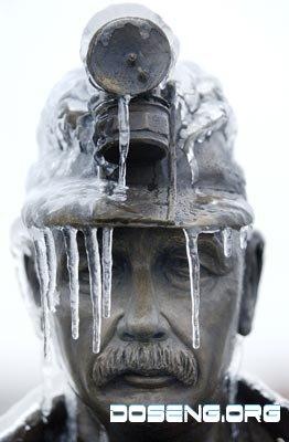В США ледяные дожди убивают людей (9 фото)