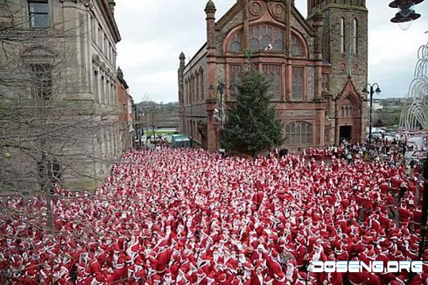 Парад Санта-Клаусов (13 фото)