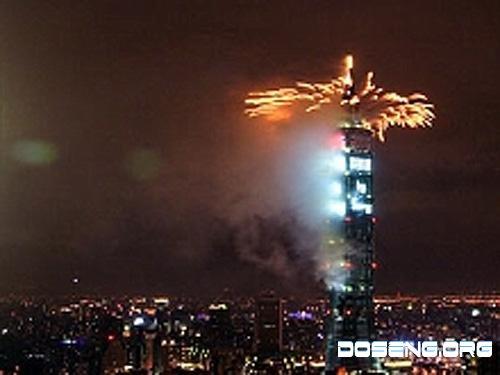 Новый год встретят фейерверком с крыши самого высокого здания мира