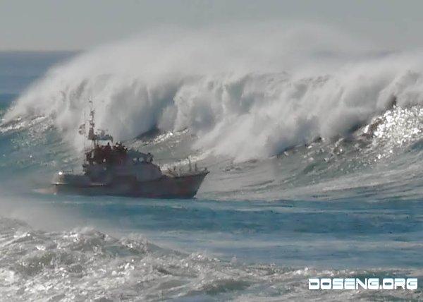 Жестоко накрыло кораблик (7 фото)