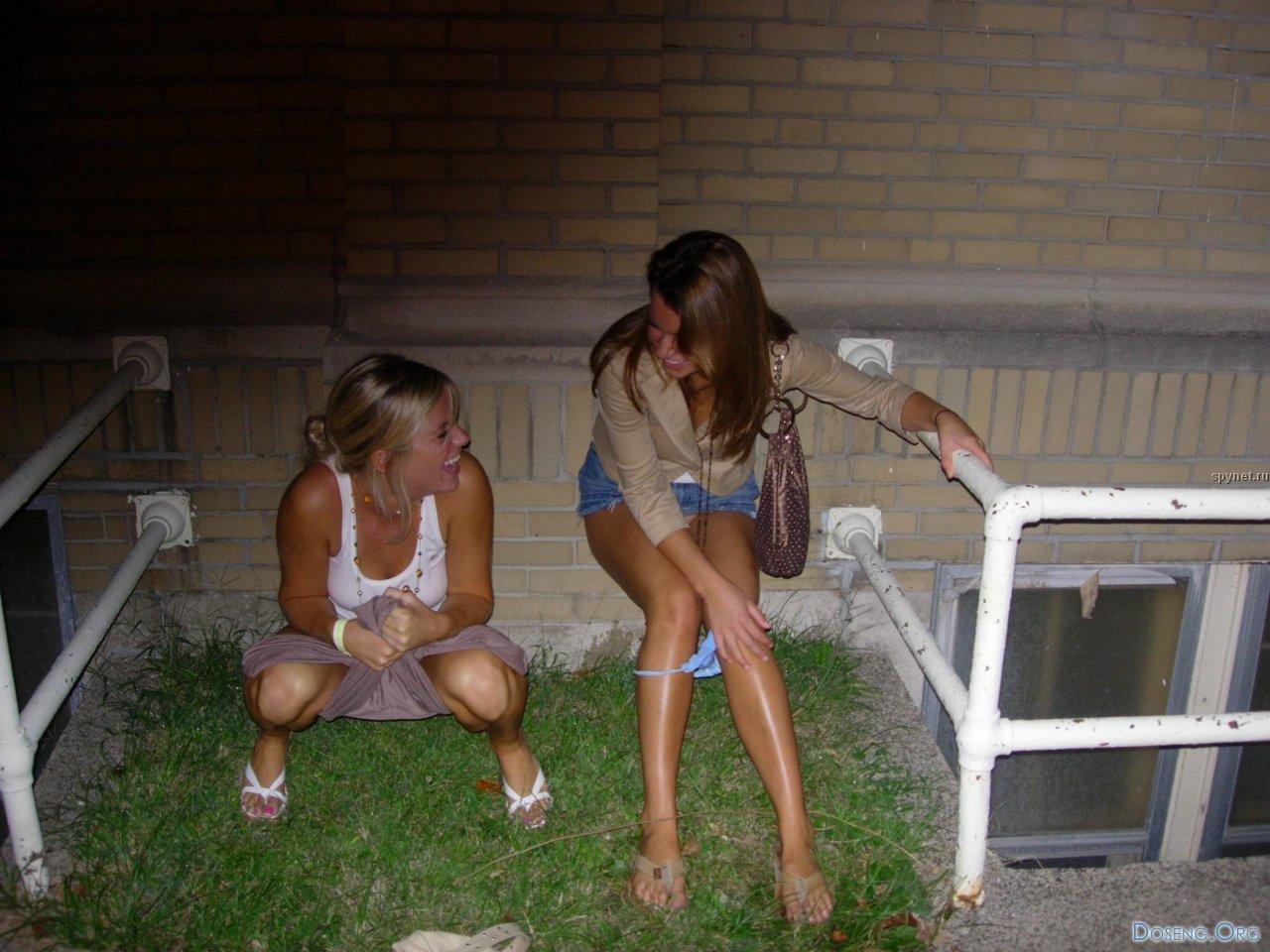 Спалили писающих женщин 1 фотография