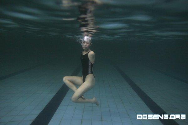 Клуб для китайских плавцов-инвалидов (7 фото)
