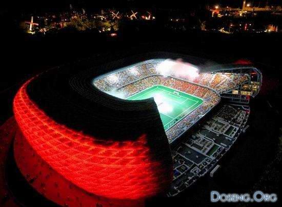 Стадион из Lego (9 фото)