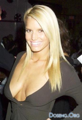 Отвислая грудь у знаменитостей фото 729-935