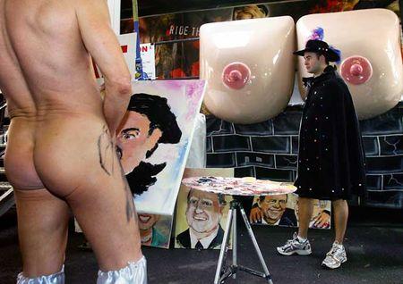 Pricasso - художник рисующий пенисом (7 фото)