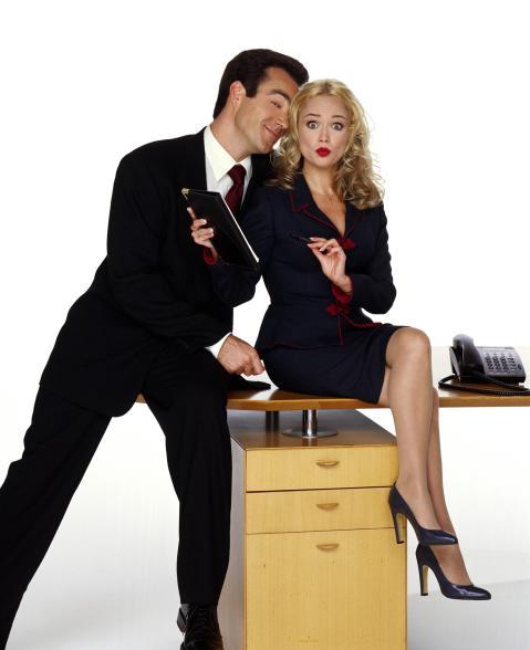 Женщины думают о сексе во время работы каждые 15 минут
