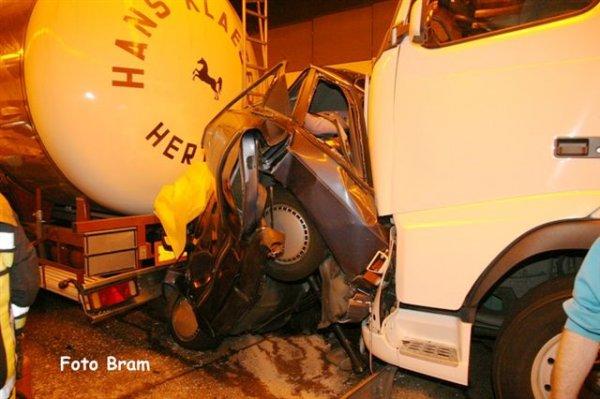 Ужасная авария в тоннеле около Антверпена, Бельгия (35 фото)
