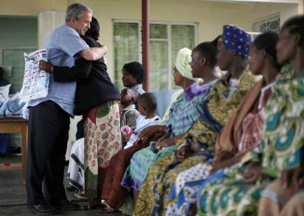 Буш посетил Танзанию (12 фото)