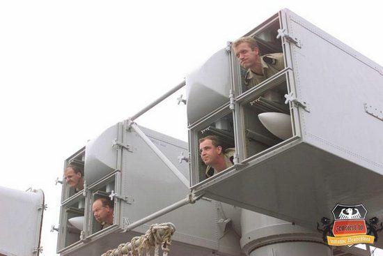 Бравые вояки с чувством юмора (12 фото)