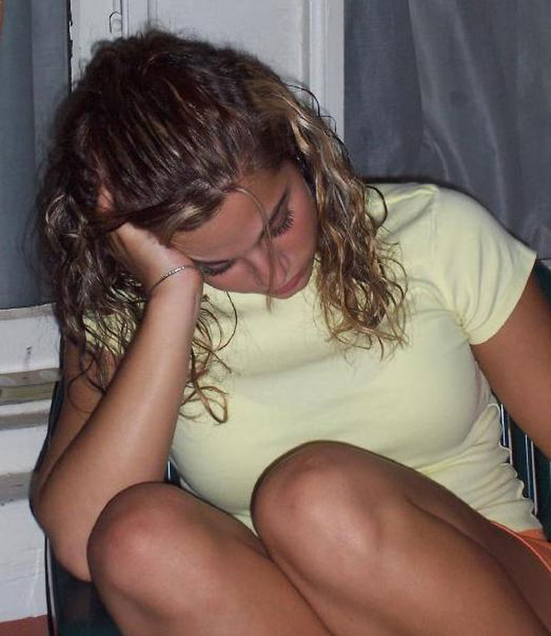 Really young teen girl passed out naked — img 3