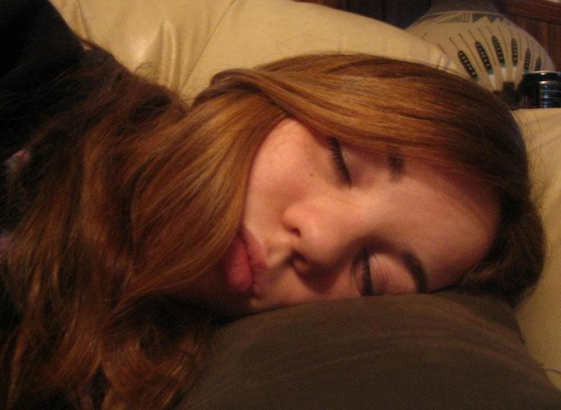 Для любителей понаблюдать за тем как спят девушки. Фотографии спящих…