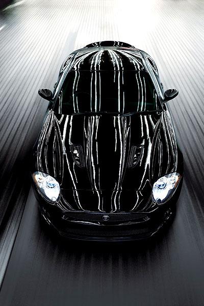 Спортивное купе Jaguar XKR-S — самый быстрый ягуар! (7 фото)