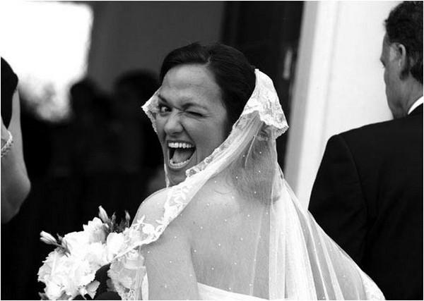 Подборка приколов на свадебных снимках (19 фото)