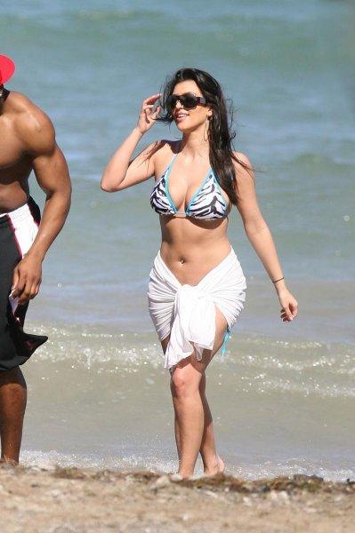Ким Кардашян на отдыхе в Доминиканской Республике (12 фото)
