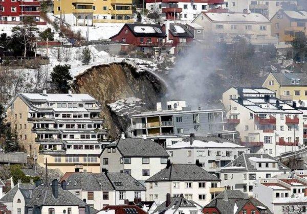 Трагедия в Норвегии (7 фото)