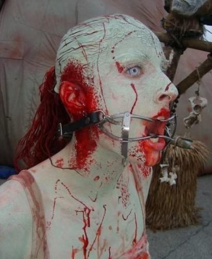 Ключевые теги ужасов макияж pазное
