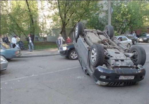Опасный перекресток на ул. Дунаевского