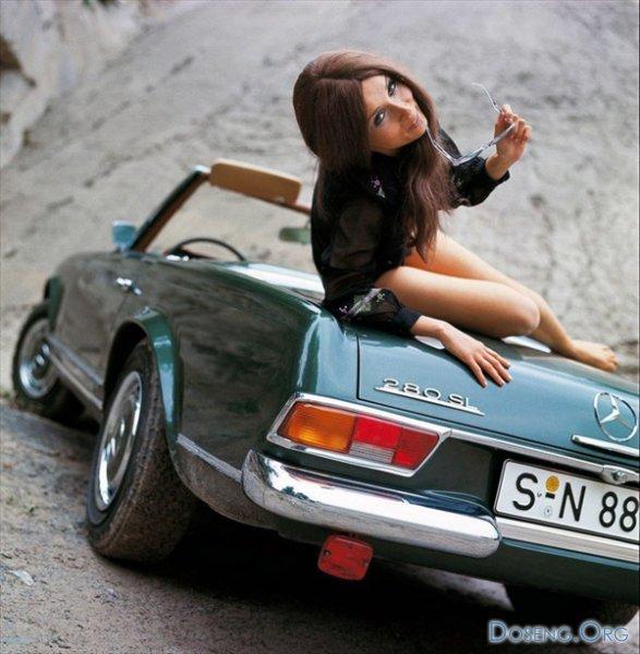 Фотографии старинных автомобилей и модели их рекламирующие
