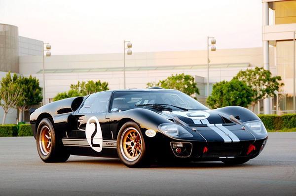 Shelby Ford GT40 в честь легендарного Кэрола