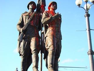 В Литве вновь осквернен памятник Советским воинам