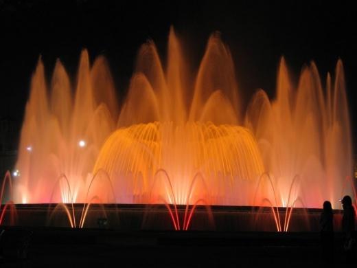 Ночные фонтаны Барселоны