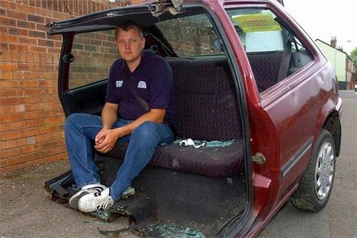 Британец распилил свою машину