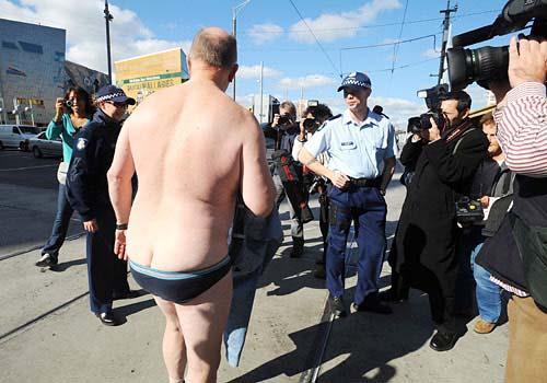 Обнаженный протест пенсионеров
