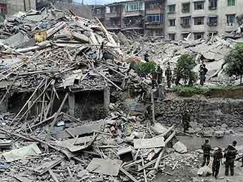 Новое мощное землетрясение в Сычуани - еще 70 тысяч строений разрушены