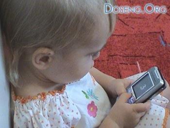 В Испании детей отучают от мобильников в спецклиниках