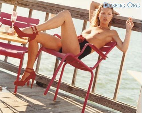 Топ модели показали пляжную эротику в «летнем лагере»