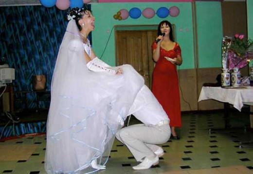 фото со свадеб где у невесты видать нижнее белье