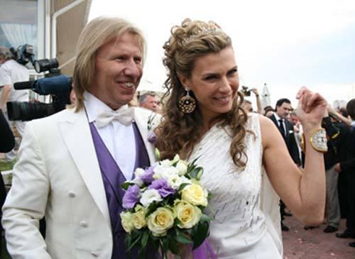 Андрей Малахов сделал «интимный подарок» на свадьбу Виктора Дробыша