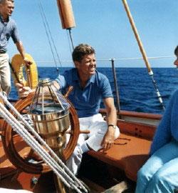 Яхта Джона Кеннеди пойдет с аукциона