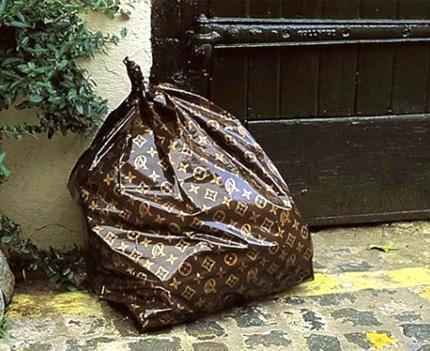 Мусорный пакет от Louis Vuitton